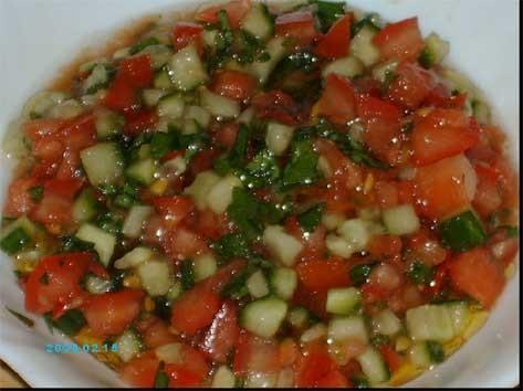 как правильно нарезать помидоры в салат